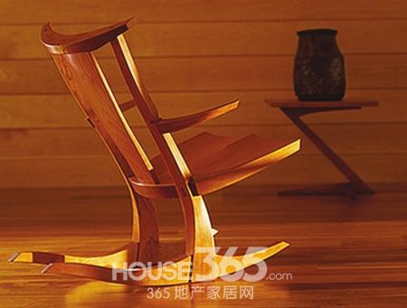 实木家具受消费者青睐 企业卖场投入其怀抱