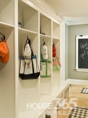 家装鞋柜装修效果图 方便家居生活