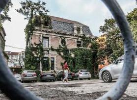 开发商雇演员佯装暴发户买房 北京第一凶宅因电影火爆