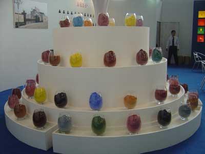 色釉料企业产销下滑 企业各出奇招应对市场