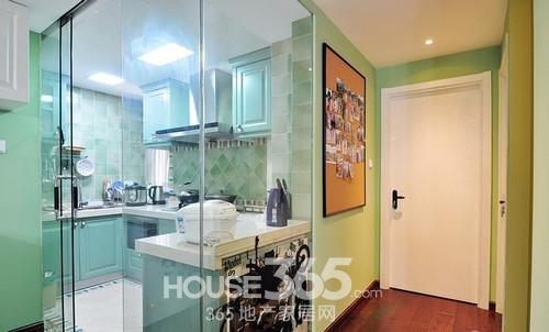 复式楼装修样板房 三室两厅绿色时尚风