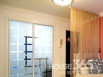 隔断装修效果图:对小户型来说也许打开门就能看见客厅了,根本不可高清图片