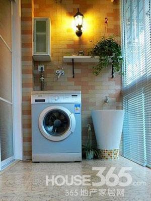 阳台洗衣房装修效果图:洗衣机一定不要放在阳台