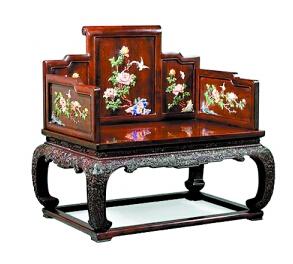 小叶紫檀最适合雕刻,尽管价格不菲,但市场货源并不太紧张。