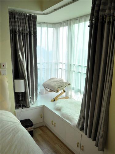 装修案例 卧室拐角飘窗设计