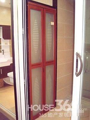 卫生间折叠门效果图