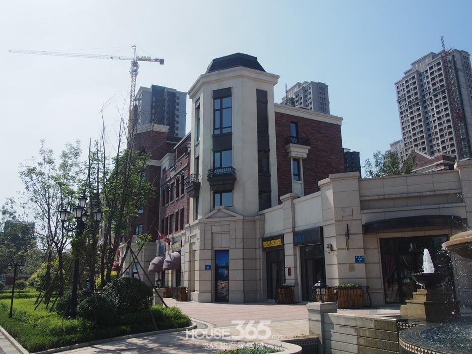 高清大图 > 正文       在金地锦城项目的外围为锦城美式商业街图片
