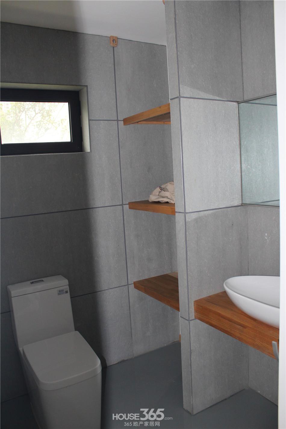 楼下卫生间干湿分离,洗漱和上厕所互不影响