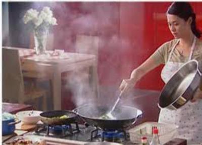 厨房油烟成肺癌诱因 选对油烟机降低危害