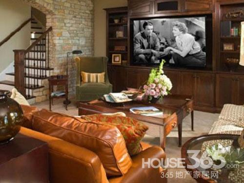 客厅电视背景墙 让你惊艳的设计图:传统的美式电视背景墙打造,收纳