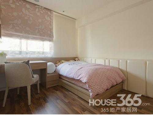 小卧室装修效果图 设计温馨俏空间:儿童房房床铺与壁面转折处