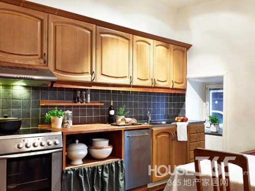 欧式复古风建筑的厨房能给人一种整洁