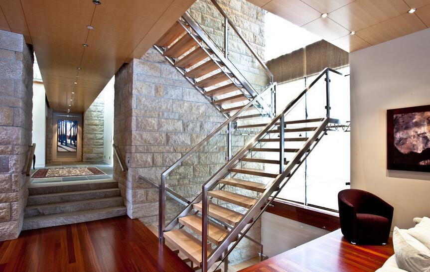 六招延长楼梯寿命 楼梯保养不费力