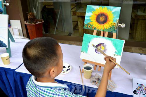 儿童用圆形作画