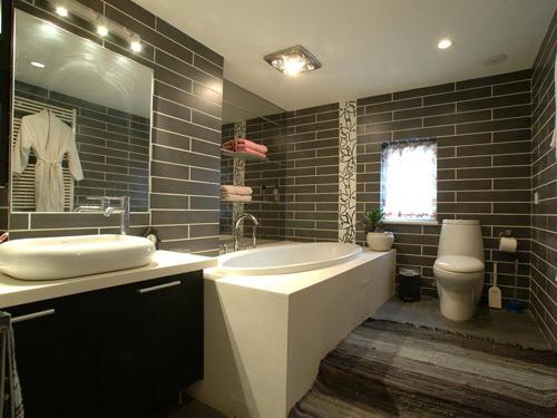 五星级酒店更衣室有类似卫生间这种单独的更衣间嘛,还是都是开放的