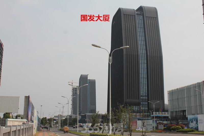 周邊項目林立,國發大廈,萬和大廈,清華紫光等在此匯聚.圖片