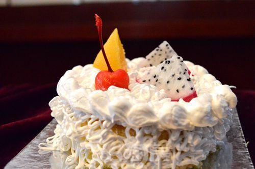 中国铁建国际城:蛋糕diy助力购房甜蜜之旅