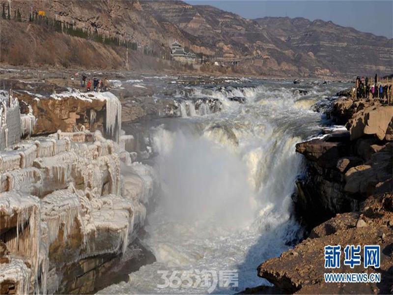 黄河壶口瀑布现冰挂美景(组图)