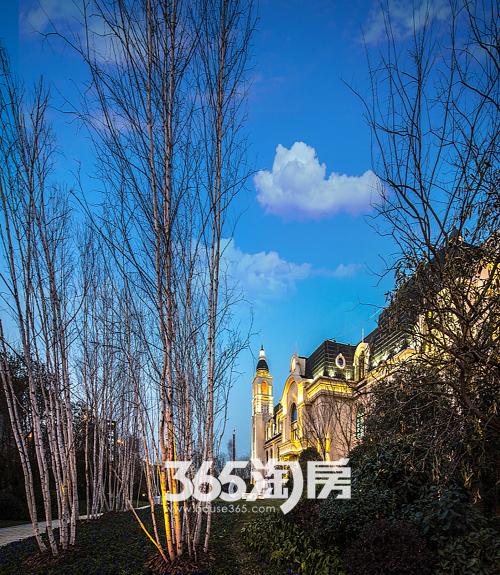 蓝光雍锦半岛:母亲节手绘肖像活动纯爱开启