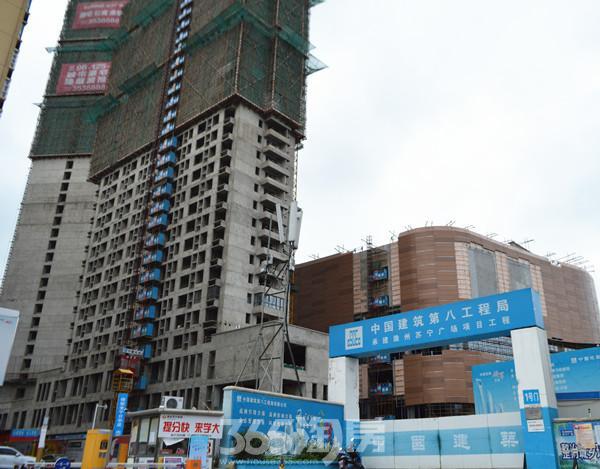6月跑盘:滁州苏宁广场外墙公共区域装修中