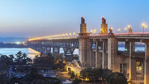 但长江大桥仍还是南京