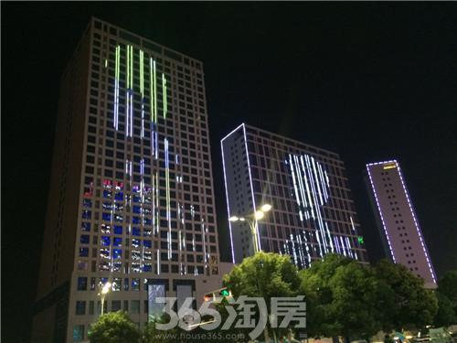 南翔城市广场外立面亮化惊艳呈现 点亮彩虹城