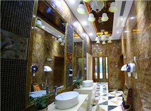 重庆现全能土豪公厕 可充电可擦鞋还有WIFI