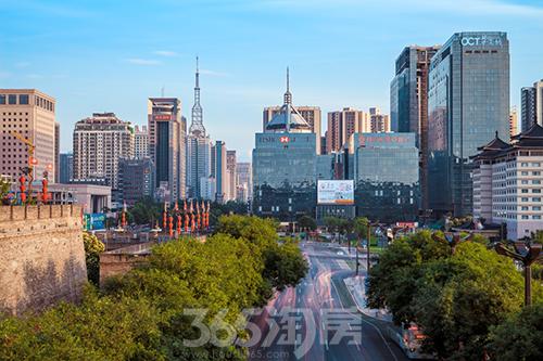 上海,广州,深圳等城市发展的比例越                    择在西安工作