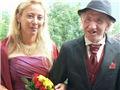 富豪娶小25岁女子 死后却把遗产给别人