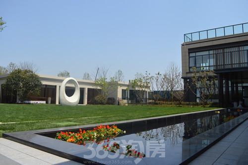 华地紫悦府园林景观示范区实景图