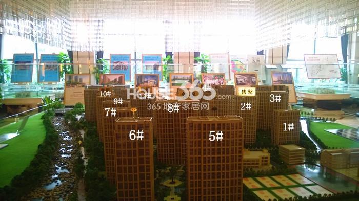 2014年11月底中国铁建国际城项目实景--售楼处沙盘