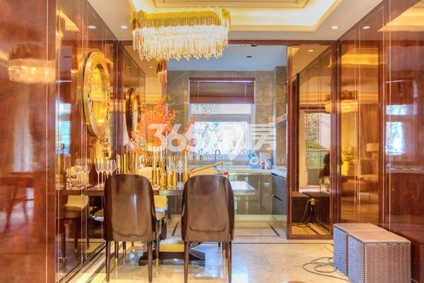 蓝光雍锦里128平高层样板间餐厅