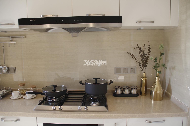 首开杭州金茂府125方样板房---厨房