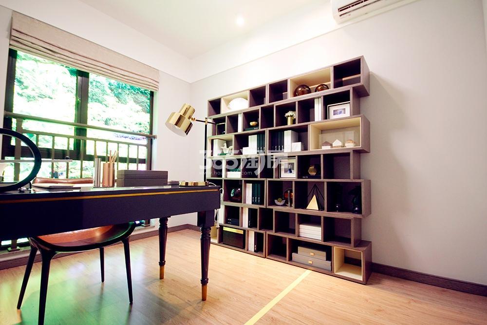 雅居乐国际花园二期128方样板房——书房