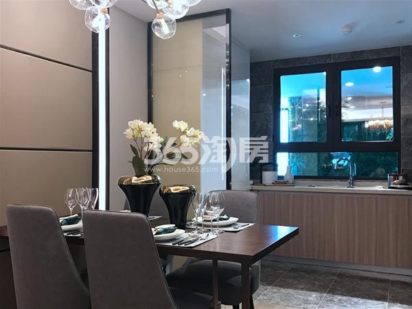 融侨悦府128平高层样板间餐厅