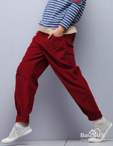 女生红裤子怎么搭配呢